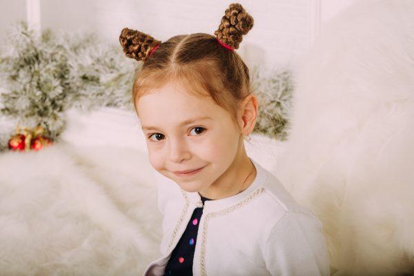Acconciature bambina per recita di Natale