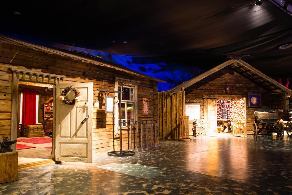ovaniemi-santa-claus-village_308467244
