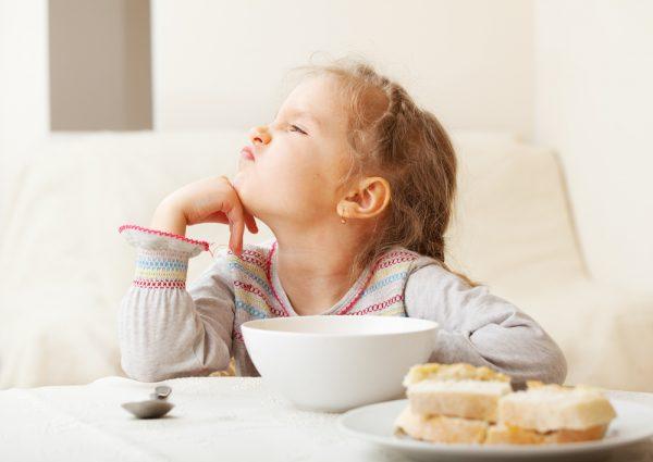 cosa fare con i bambini che non vogliono mangiare
