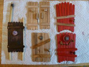 come-fare-la-casetta-degli-elfi-di-babbo-natale_porta-bastoncini-in-legno