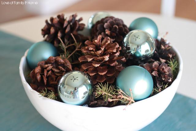 idee per decorare la tavola con le pigne