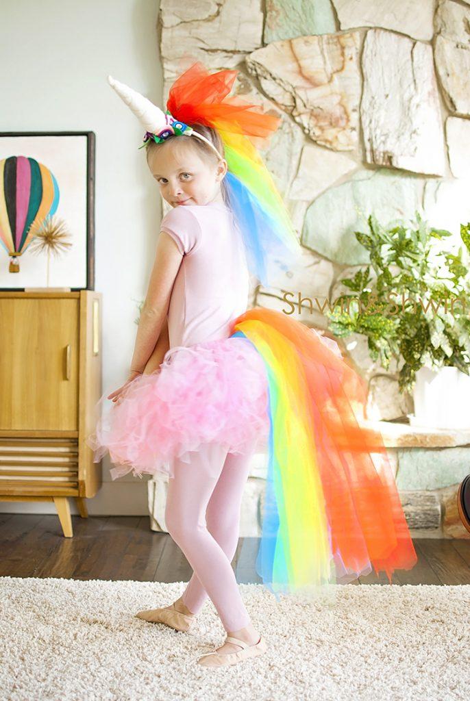 Costume di carnevale fai da te da unicorno per bambini con tutù