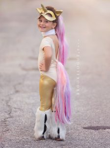 Costume di carnevale fai da te da unicorno per bambini_ dorato