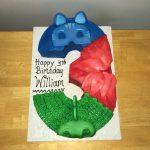 Torte di compleanno dei PJ Masks con panna e decorazioni in pdz