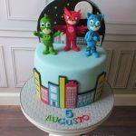 Torte di compleanno dei PJ Masks_pasta di zucchero con personaggi 3d