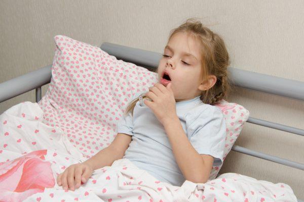 come calmare la tosse secca dei bambini di notte
