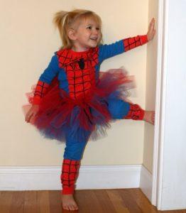 Costumi di carnevale da supereroi per bambine_Spiderman con tutù