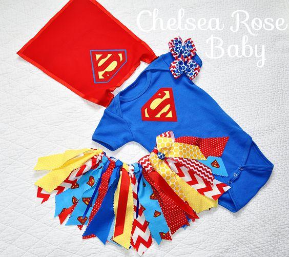 Costumi di carnevale da supereroi per bambine_Superman neonata