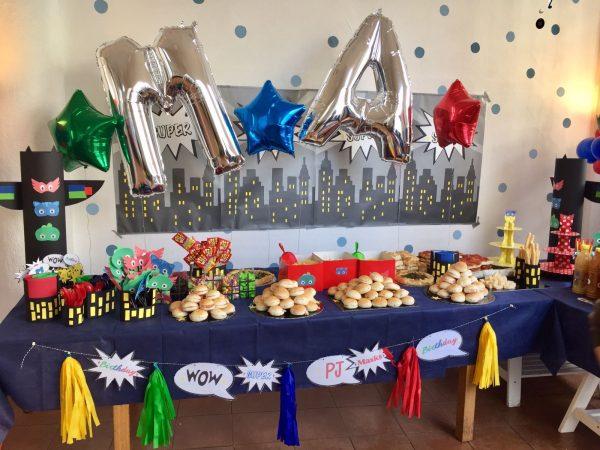 Decorazioni PJ Masks fai da te per festa di compleanno_allestimento 1
