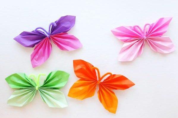 farfalle di carta per addobbi di primavera