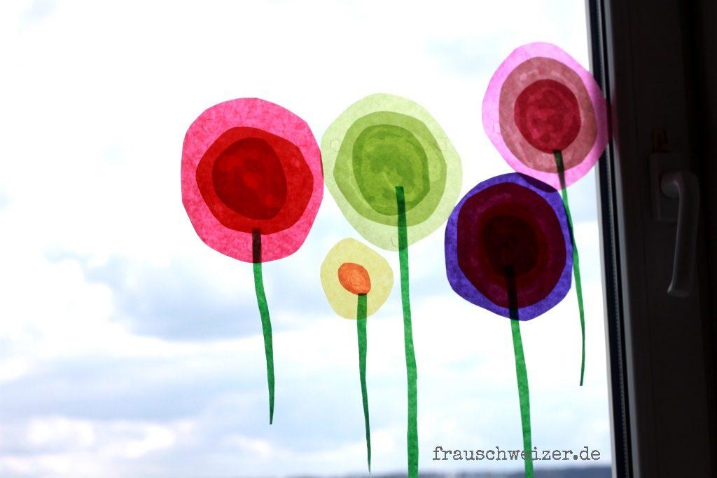 fiori stilizzati per addobbi di primavera da attaccare alle finestre