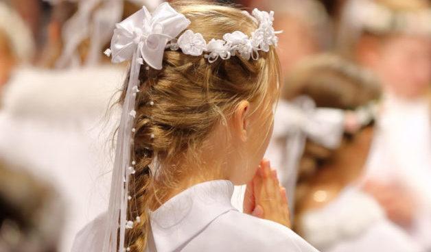 pettinature con capelli lunghi prima comunione