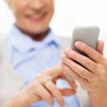 Come occuparsi di anziani e di adolescenti con l'app famil.care