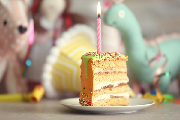 festa a tema dinosauri fai da te _ fetta di torta