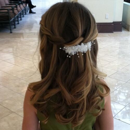 pettinature per prima comunione facili con capelli lunghi