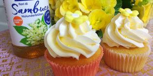 Ricetta d'estate: Dolcetti leggeri con mousse ai fiori di sambuco