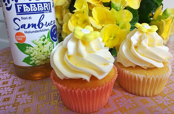 cupcake allo yogurt con mousse leggera allo yogurt e Sciroppo Fiori di Sambuco Fabbri 1905