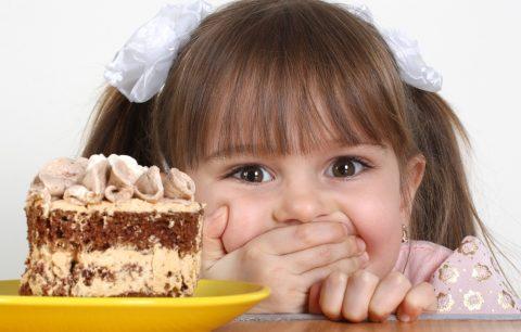 5 idee facili per far giocare i bambini in ristorante - BM