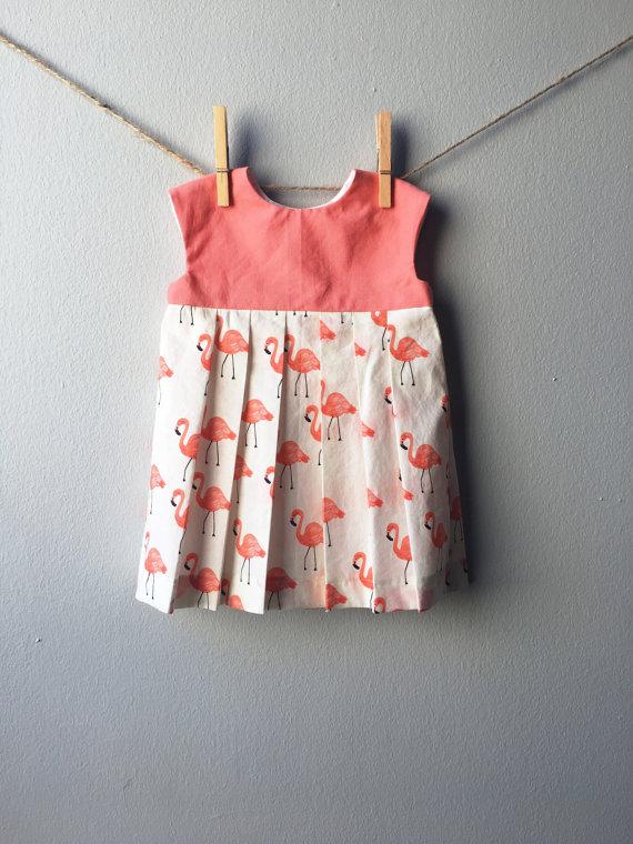 vestito con fenicotteri rosa