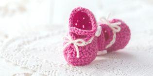 Scarpine all'uncinetto di cotone per neonati: schemi e tutorial