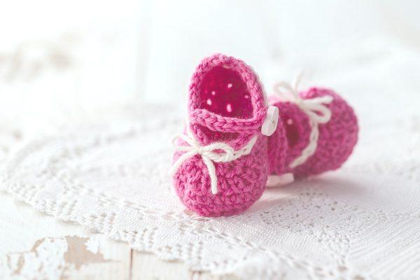 scarpine all'uncinetto rosa per bambina