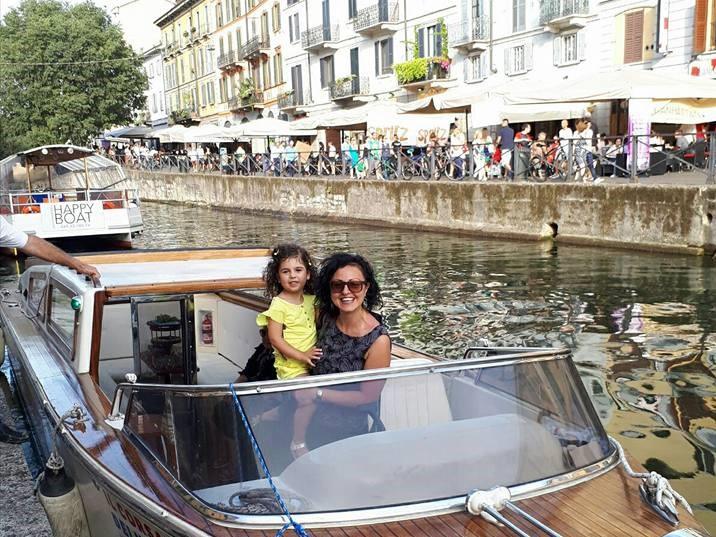 tour su motoscafo con bambini