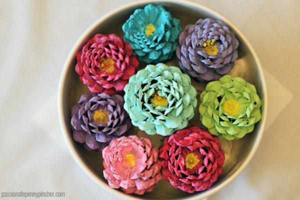 come usare le pigne: fiori