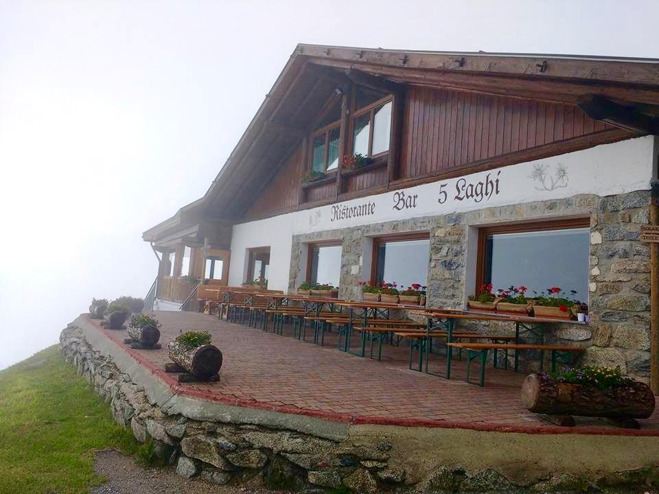 vacanza in Trentino con i bambini _ Rifugio 5 Laghi 2100 mt