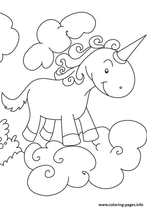 Disegni da colorare degli unicorni sulle nuvole