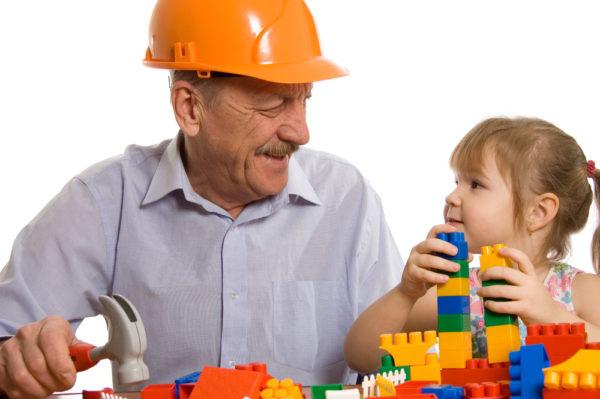 nonni nipoti e giochi insieme