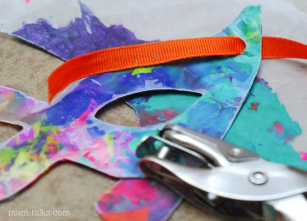riciclare pastelli a cera maschera di carnevale
