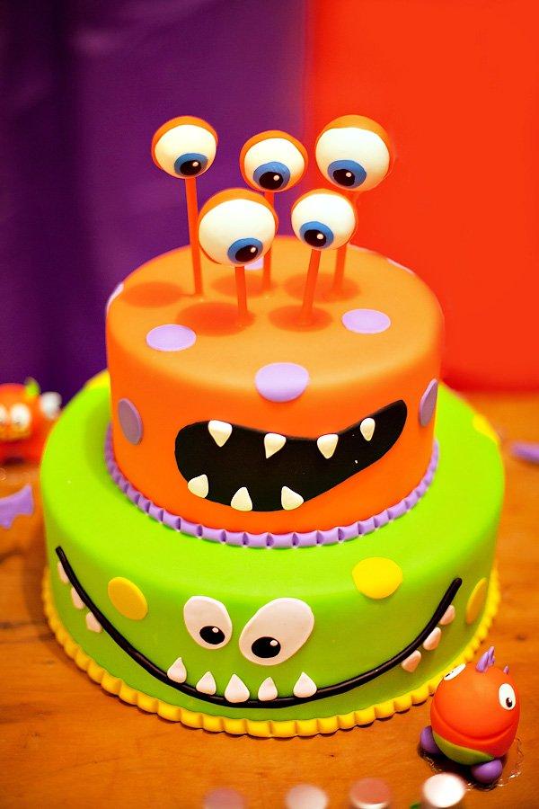 Molto Torte di Halloween per feste di compleanno bambini con mostri  DS55