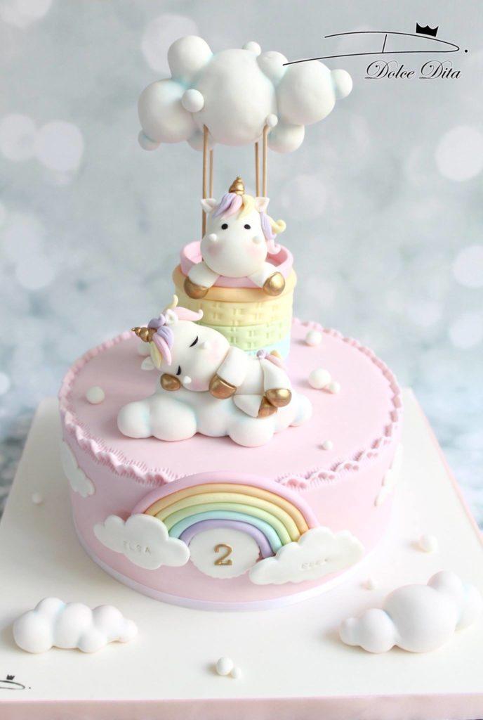 Torte unicorno per feste d compleanno con pasta di zucchero