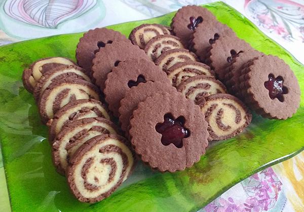 5 biscotti di Natale da regalare _ girelle arancia e cacao