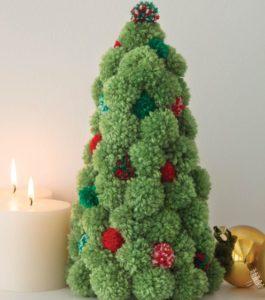 Decorazioni di Natale fai da te con i pompon _ alberello di Natale con pom pom