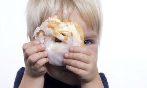 Mio figlio è obeso: che cosa fare? 5 Consigli per combattere l'obesità infantile
