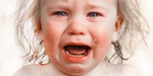 Spasmi affettivi nei bambini: cosa sono e come comportarsi