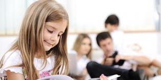 Scuola Genitori: Segreti per educare i figli con la giusta distanza