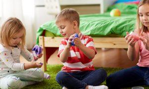 Come fare lo slime senza colla insieme ai bambini ricetta facile