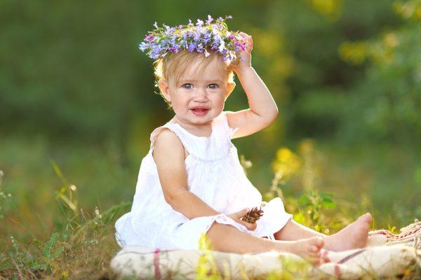 bambina con vestito vestiti per bambine