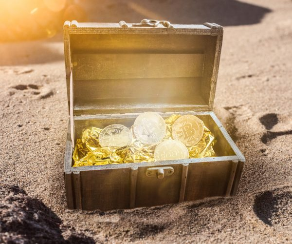 caccia al tesoro in spiaggia