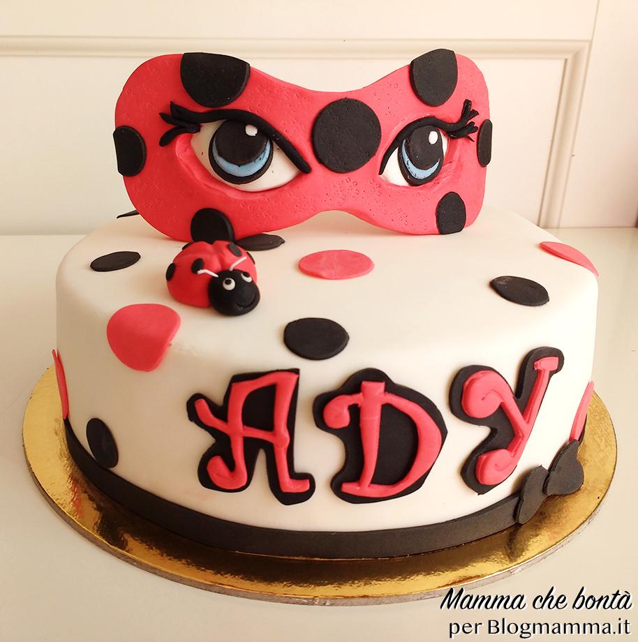 Torta Ladybug facile a pois con maschera in pasta di zucchero copia_mod