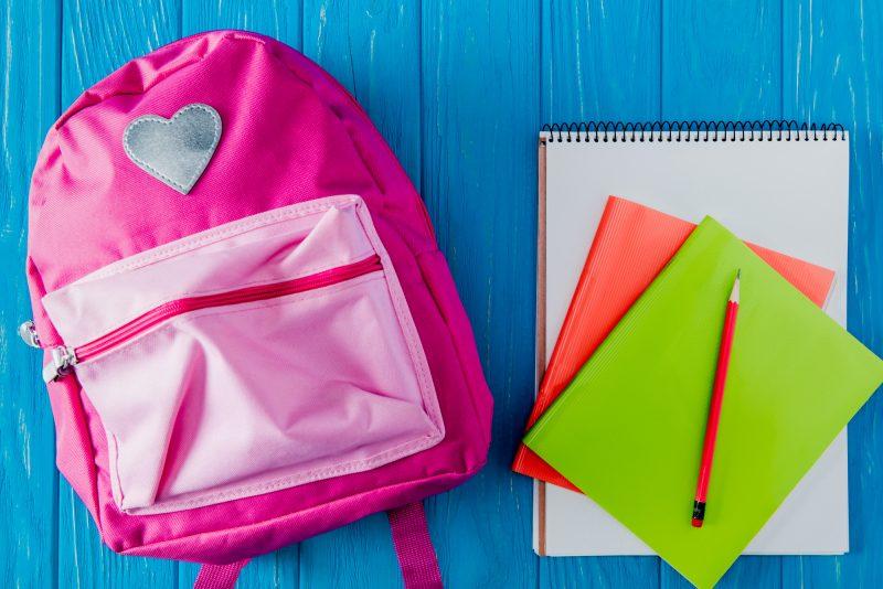 cosa portare il primo giorno di scuola zaino e materiale