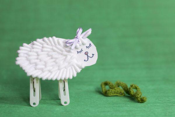 pecorella fai da te con cotton fioc