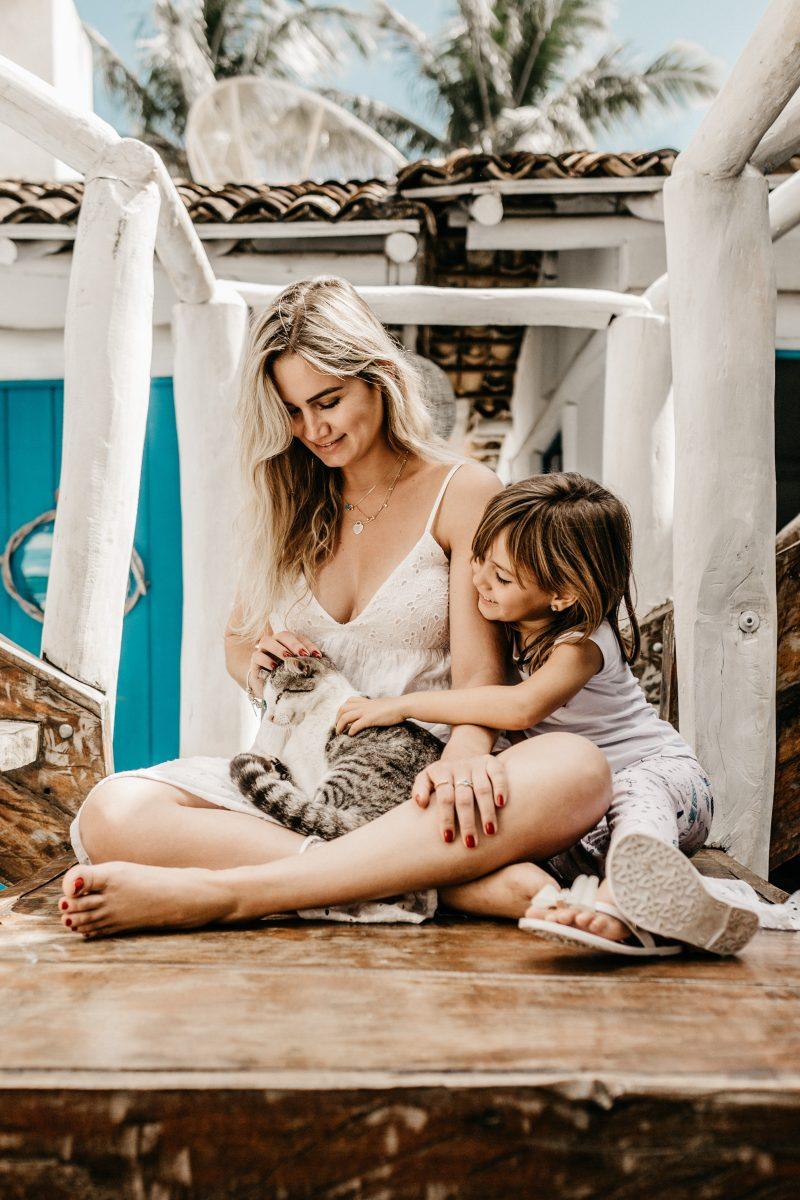 Gatto e neonato