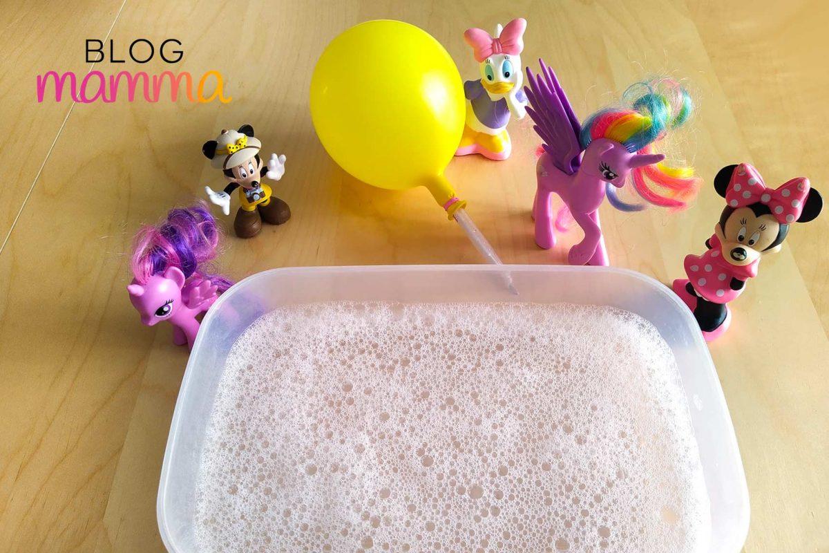 Esperimenti di scienze con i bambini _ la scrittura con le bolle _ preparazione