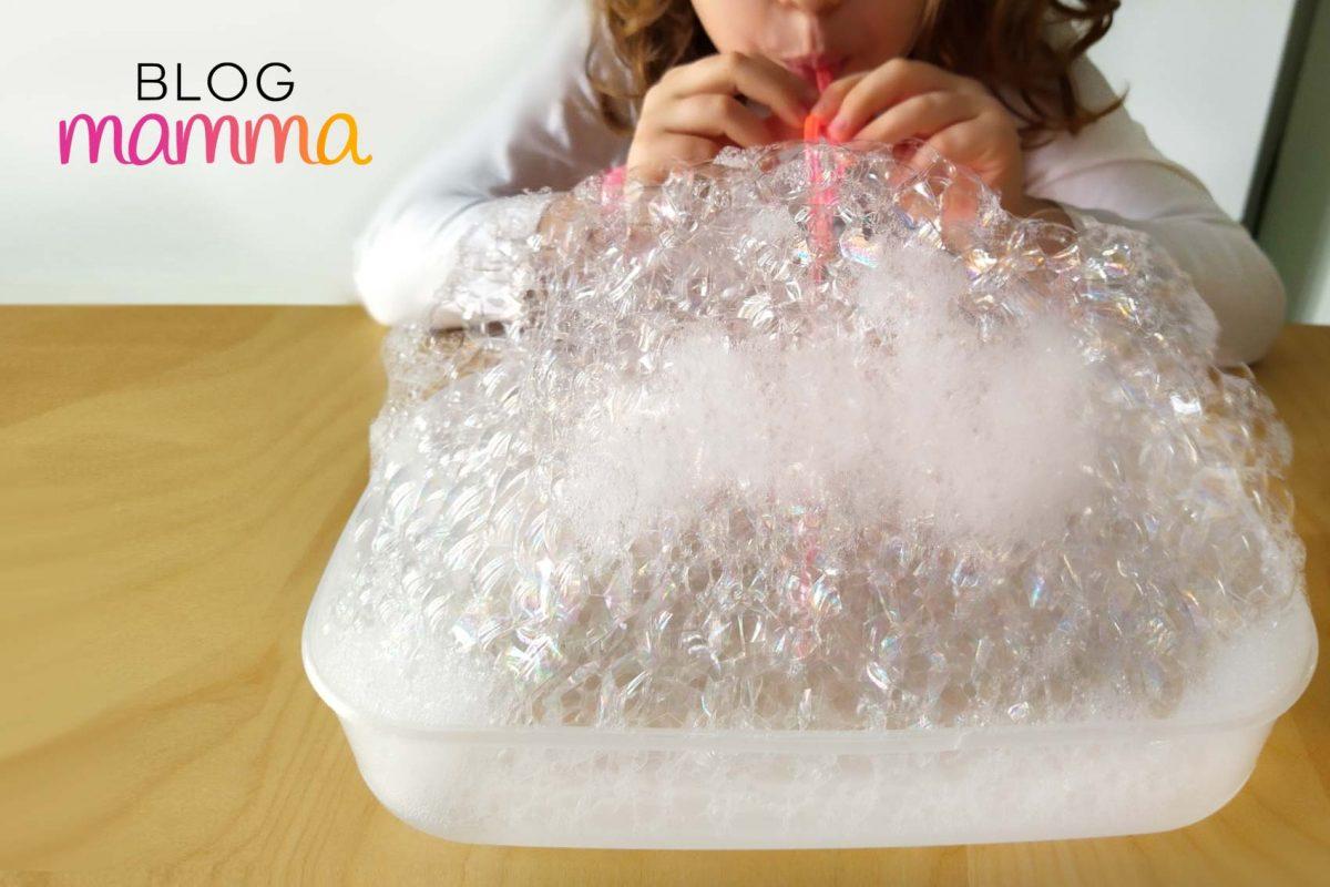 Esperimenti di scienze con i bambini _ la scrittura con le bolle_nuvole
