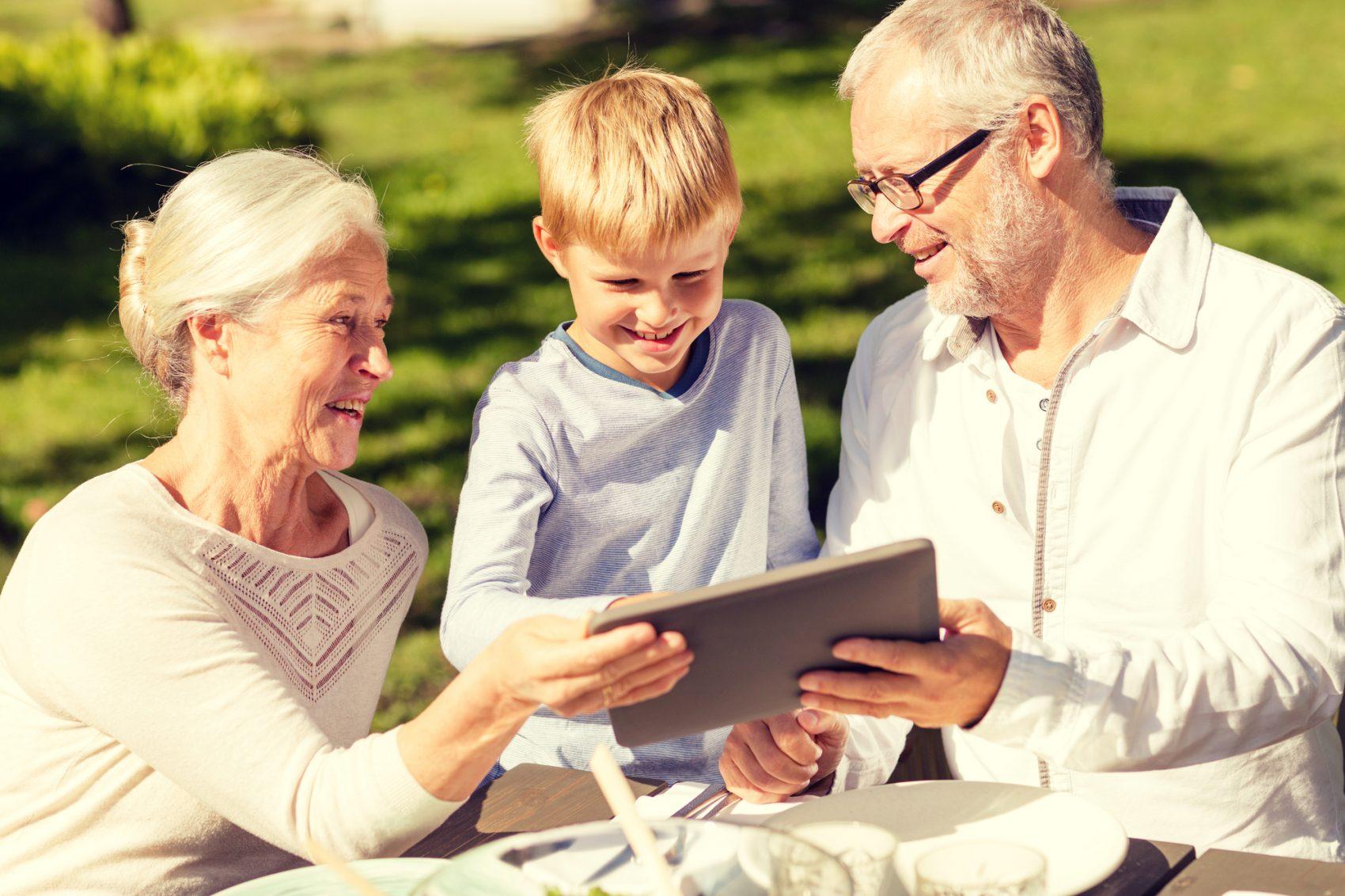 video di auguri per la festa dei nonni