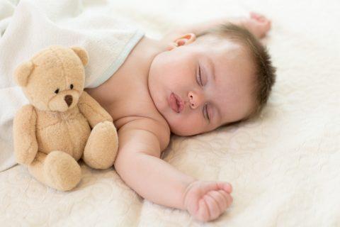 neonato dormire