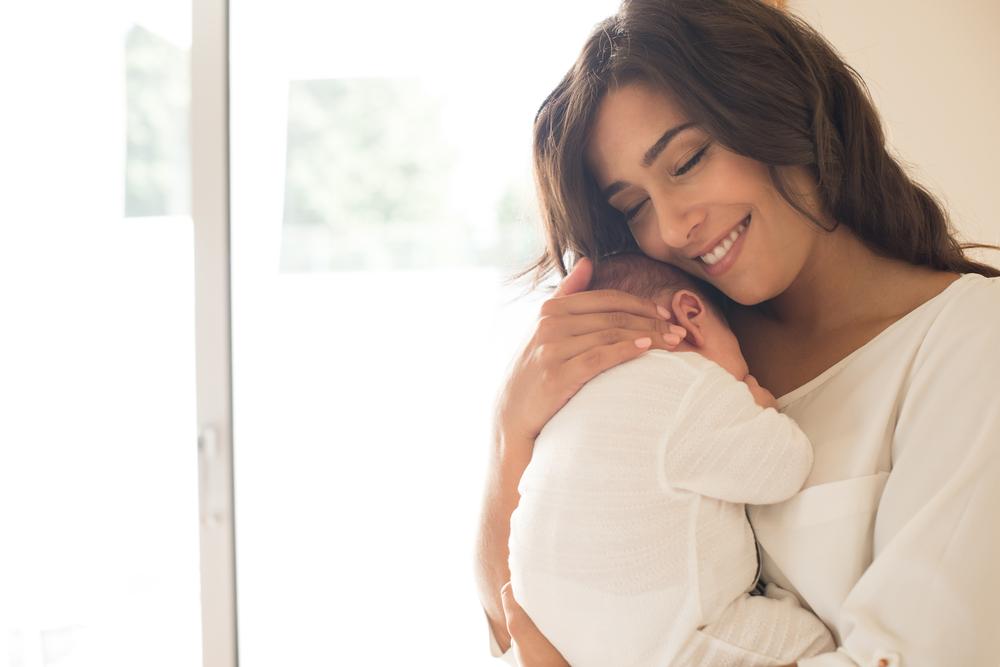 bambina in braccio